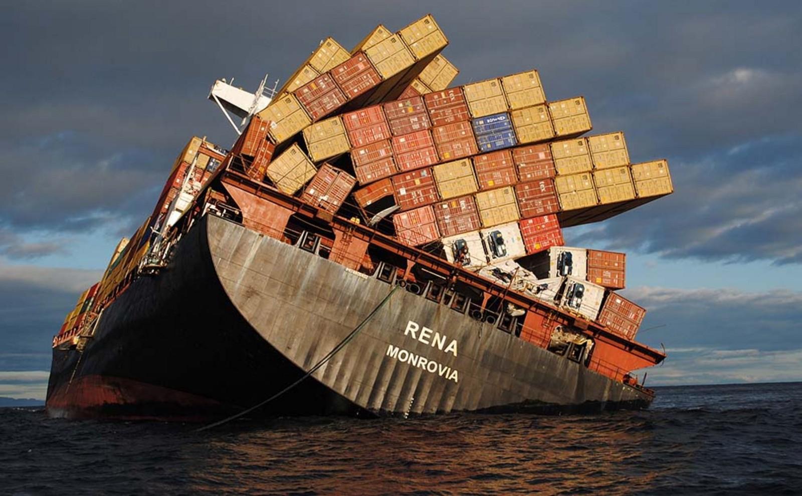Batan Bir Gemi